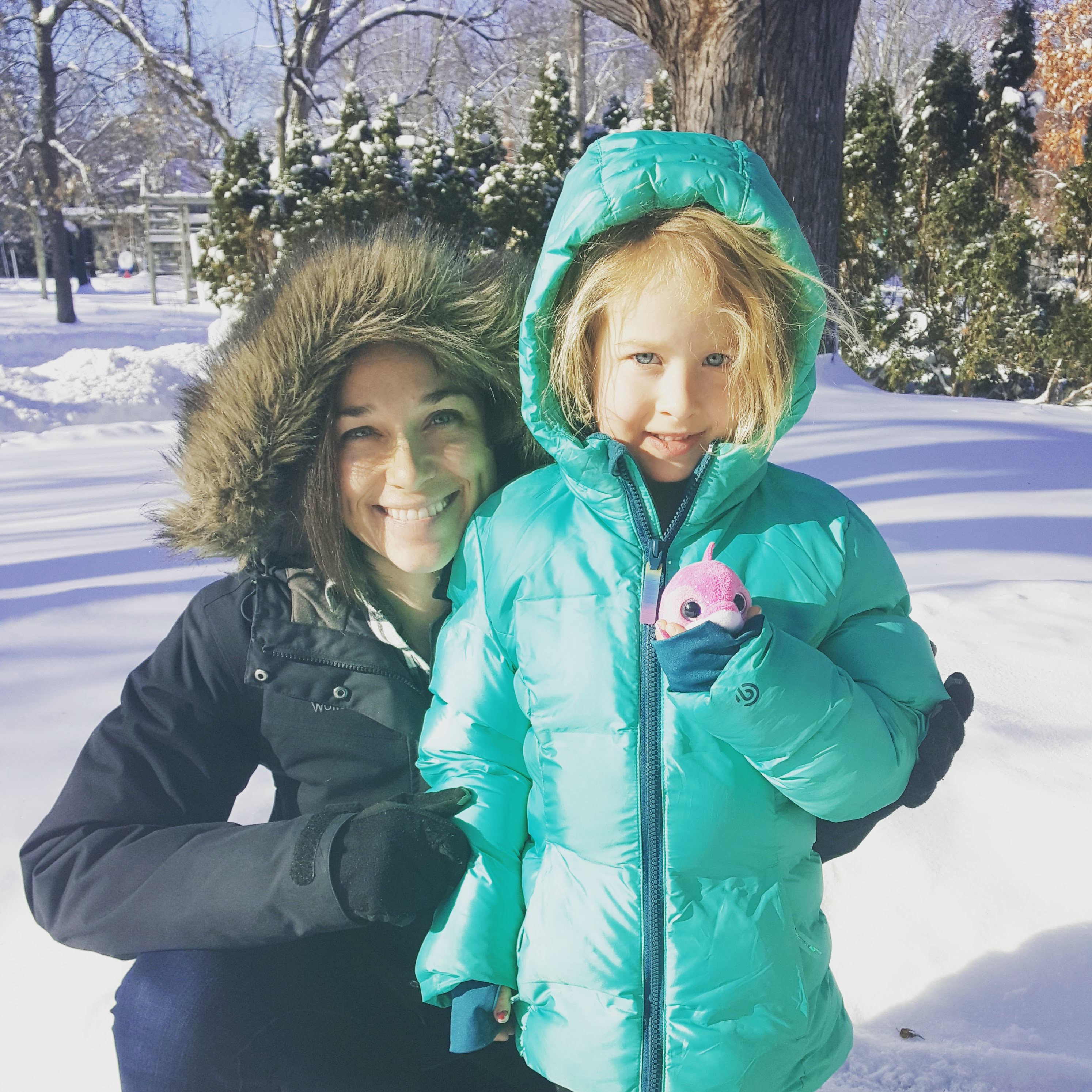 Alice and Elizabeth in the snow!